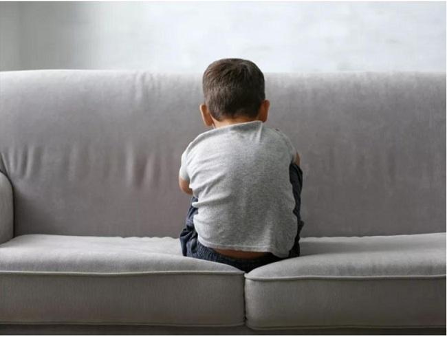 Tự kỷ là một hội chứng khiến trẻ khó giao tiếp xã hội